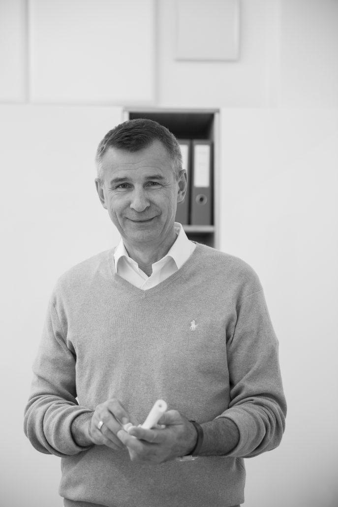 Dr. Martin Chochole