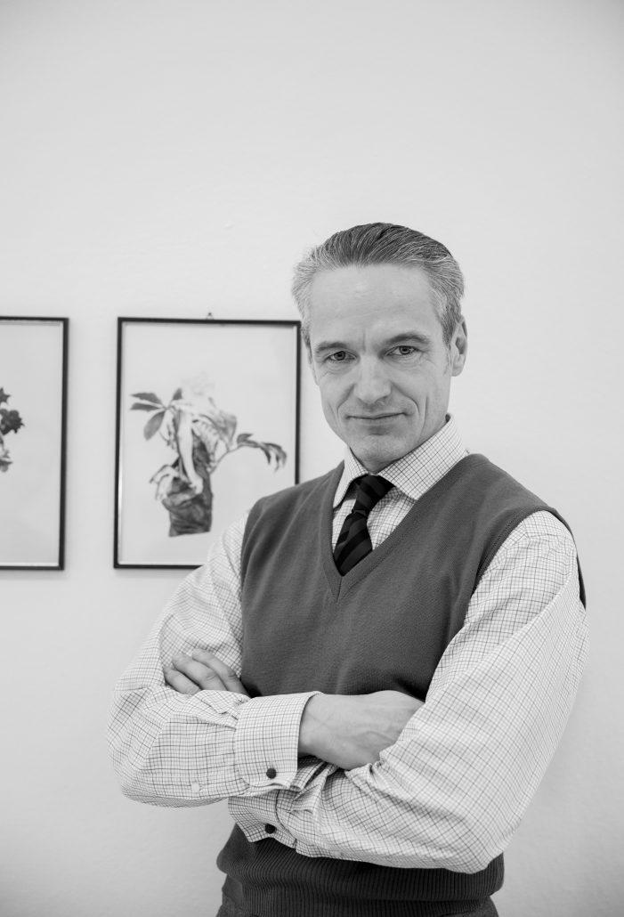 Dr. Stefan Schenk
